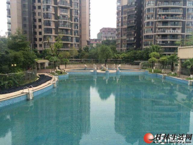 金地怡和东岸小区4房2厅2卫 5楼 180平米清水 2012年126万出售  位于三里店大圆盘附近