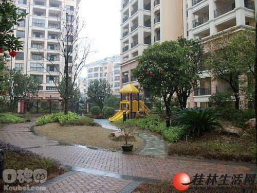 出售,东晖国际复式5房2厅3卫,顶层12楼送天面,145万,2012年清水房