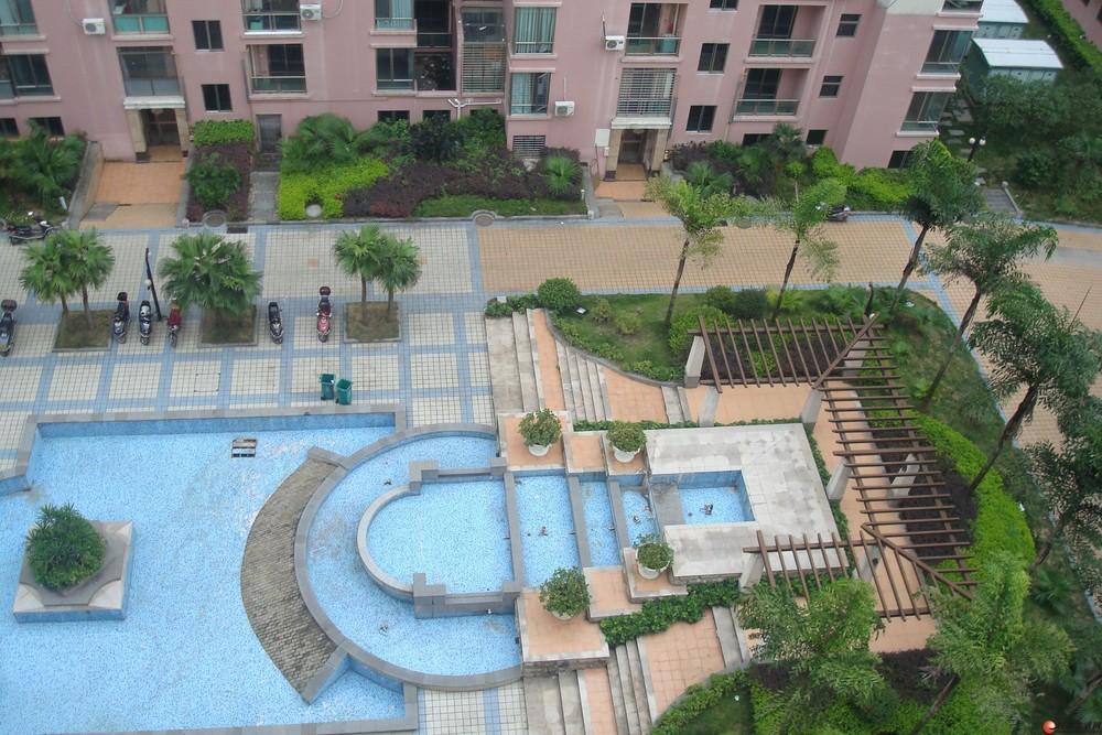 出售,世纪新城,2房2厅1卫可改三房,电梯8楼,125平米,85万,清水房