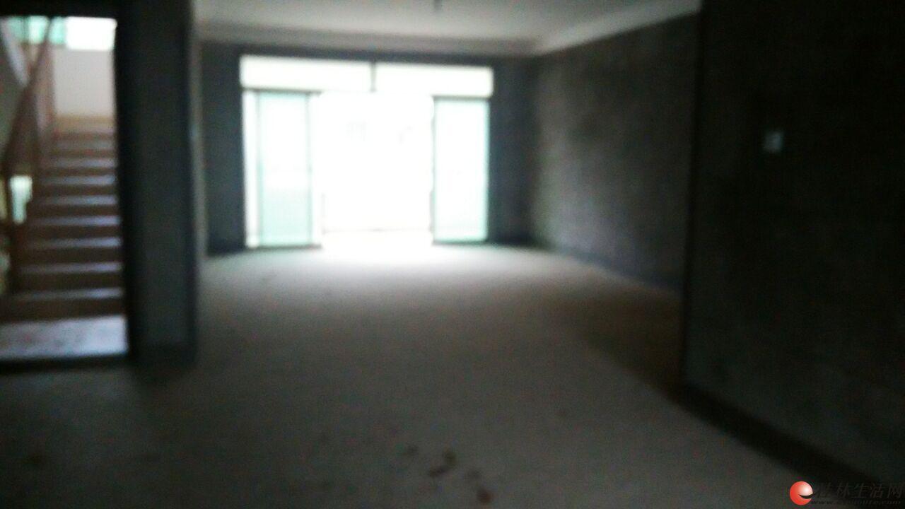 湖光山色 清水大3房2厅2卫133.8平米 3个大阳台  三面采光 户型方正