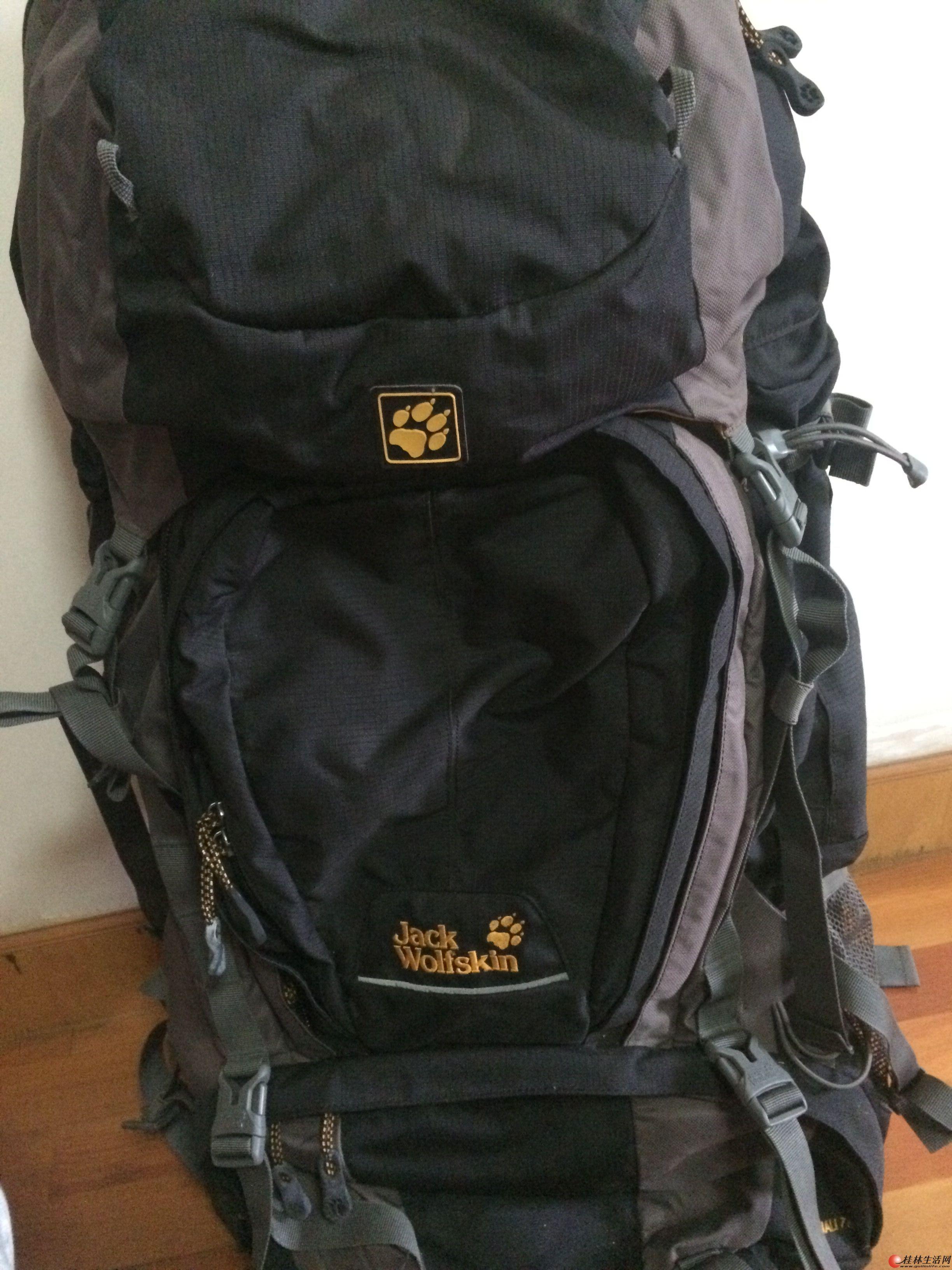 出售99新只用过一次的75升狼爪专业登山包包,在微笑堂买的原价2480的现贱卖
