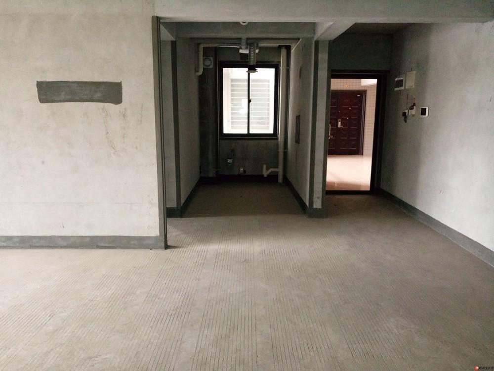 漓江旁上海路安新洲【安厦港湾雅居】电梯4楼清水3房98万