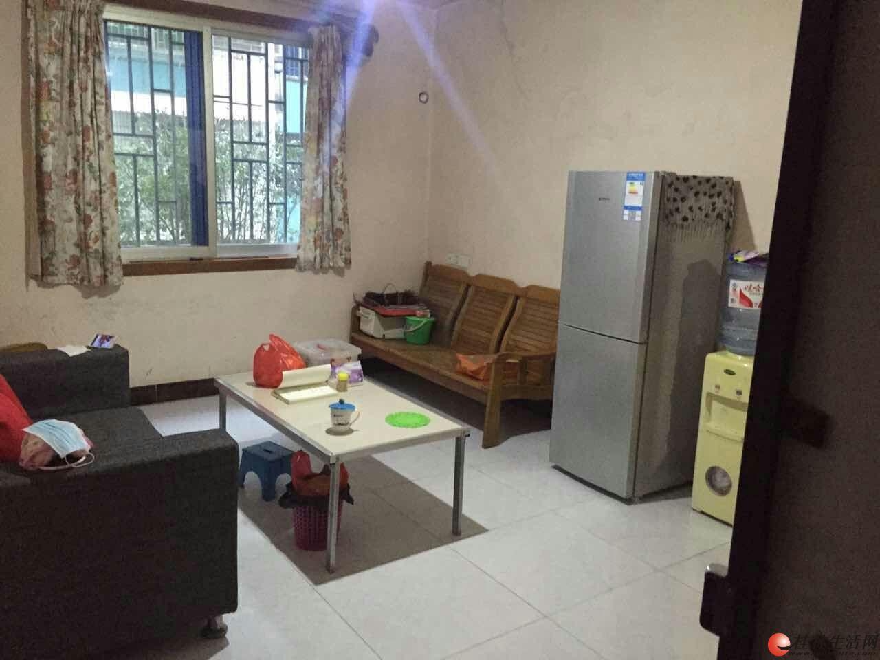 桂林北站旁 金河小区 高一楼2房1厅1卫64平米 送杂物间 25万