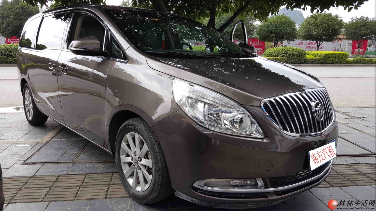 桂林路友租车 推出豪华版 别克商务  中庸的租车价百万级别车的享受
