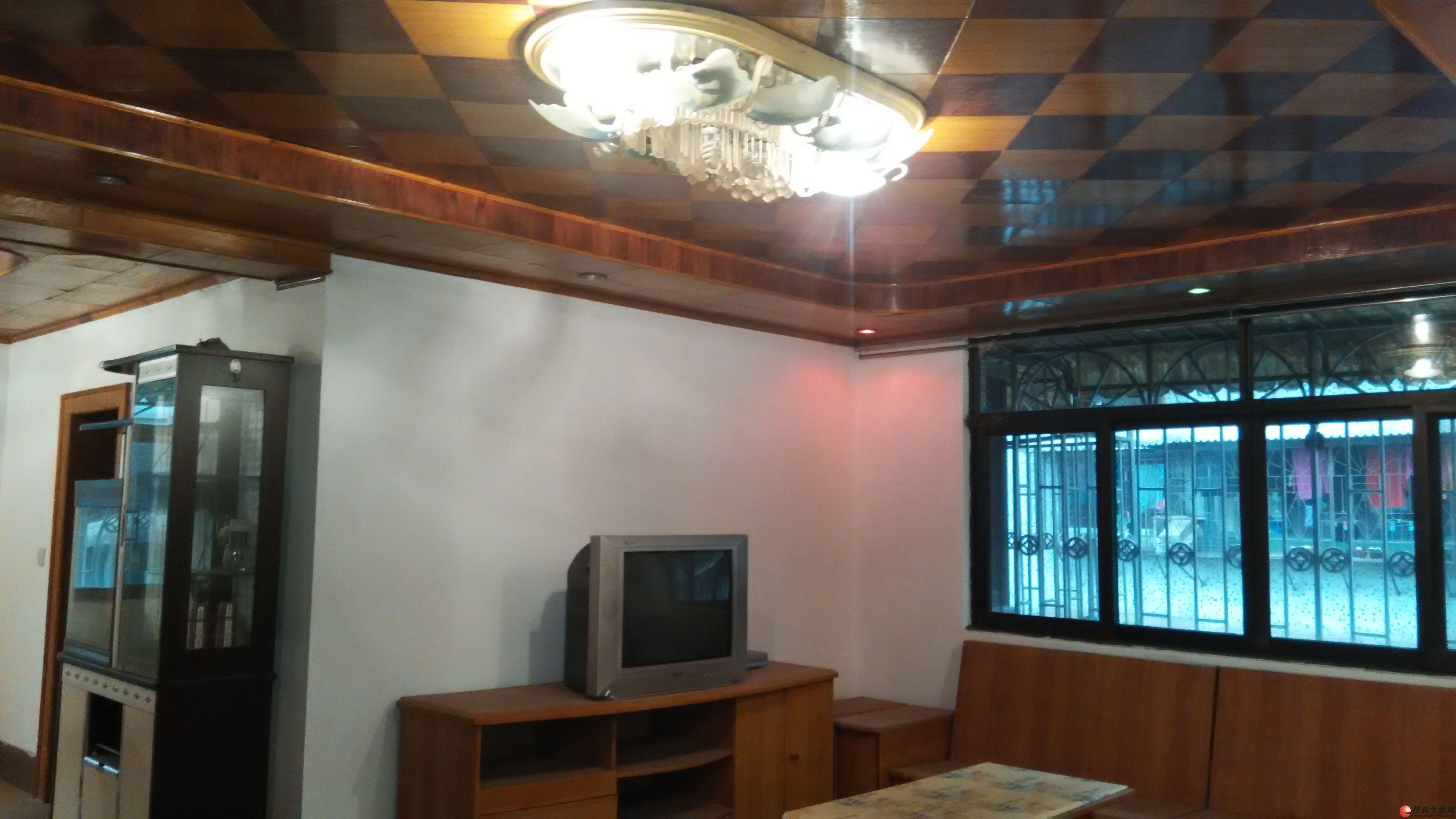 凤集学区旁 凤集花园3房2厅1卫104平米仅48万