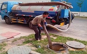 桂林吸粪车化粪池清理服务桂林吸粪车抽化粪池桂林抽粪