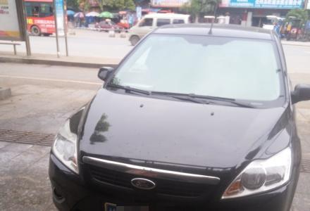 2012年6月的福特经典福克斯。