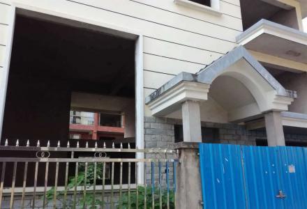 非中介,朝阳山庄别墅出租6房3厅3卫,300平米+花园150平米,清水房,月租6000元