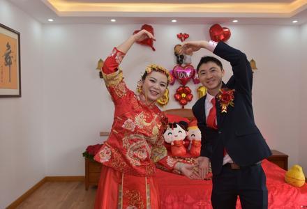爱情鸟婚礼跟拍,免费拍照!