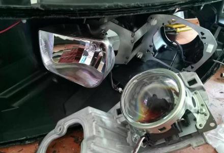 起亚K5折掉海配透镜,升级KH5顶级双光透镜,四眼雾灯