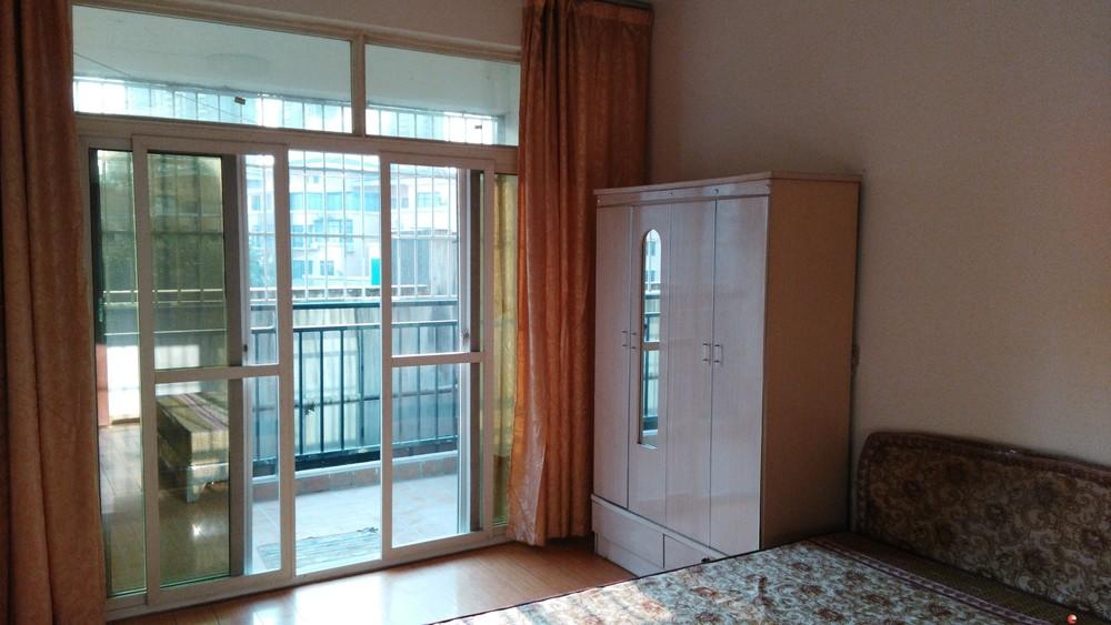 临桂西城大道时代香耕苑三房两厅出租,可拎包入住