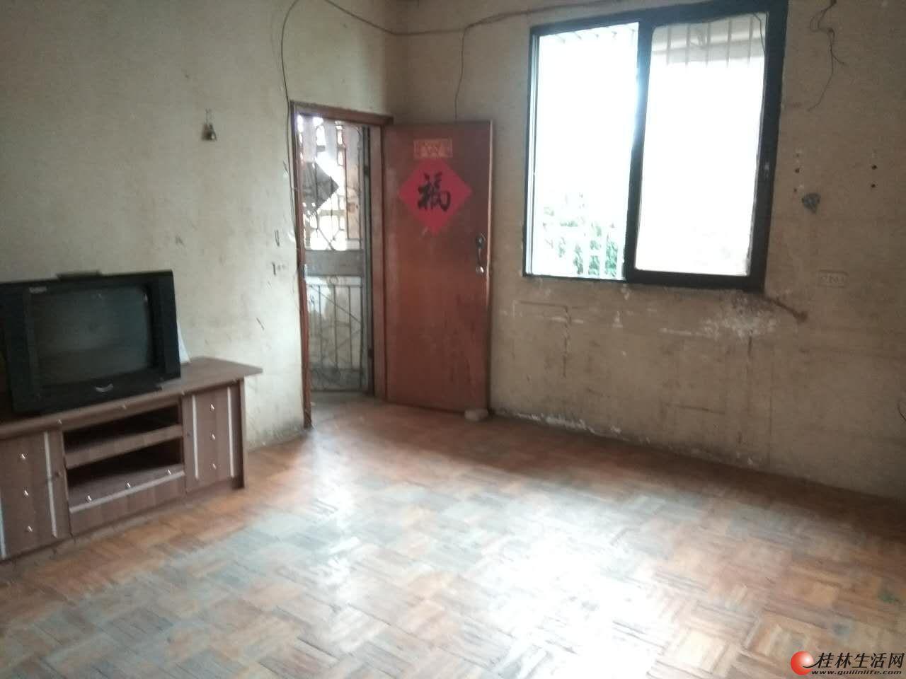 铁西一里铁西小学附近两室一厅四楼