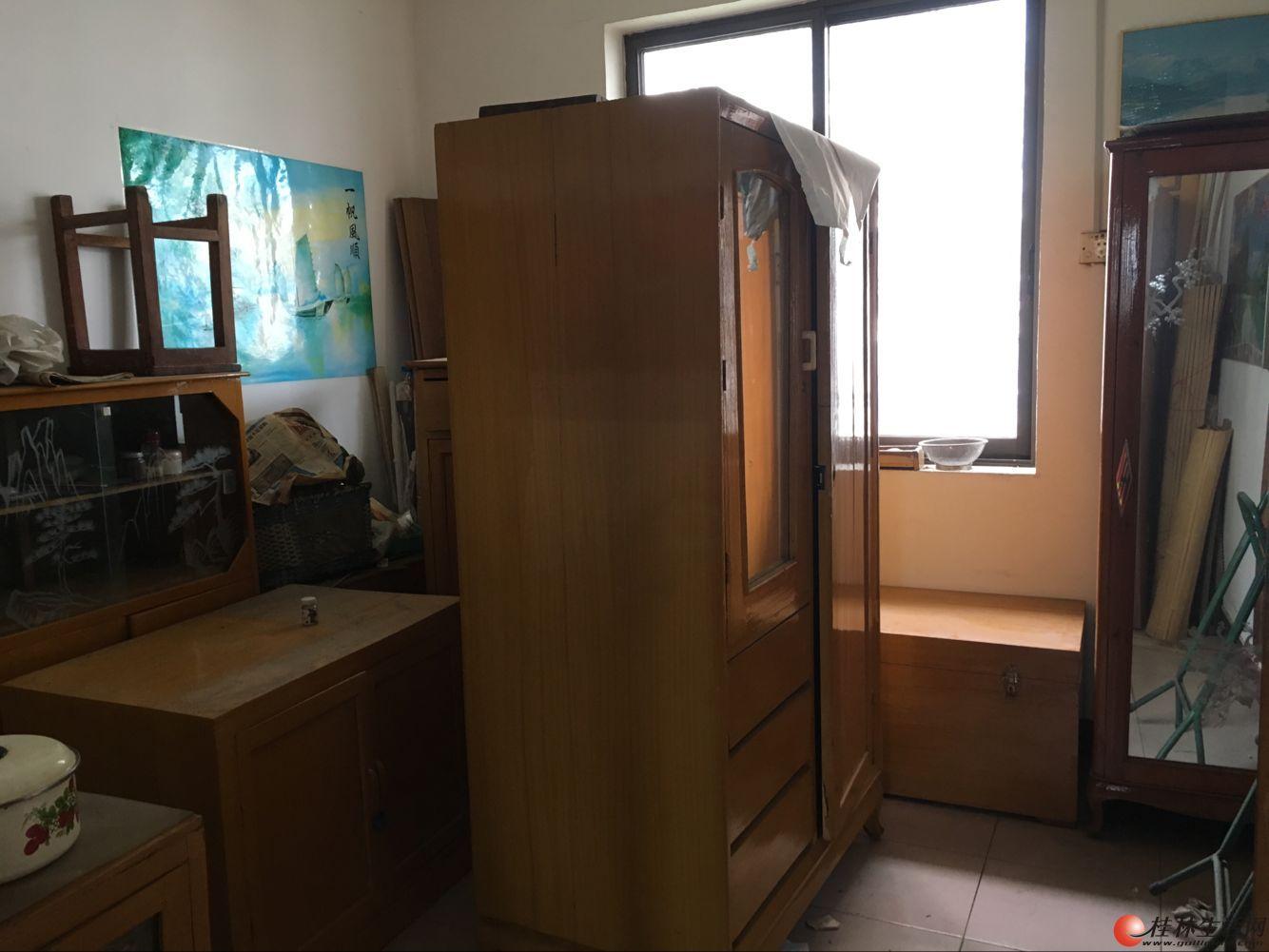 M 地矿院宿舍 3室1厅1卫 77平 售47万