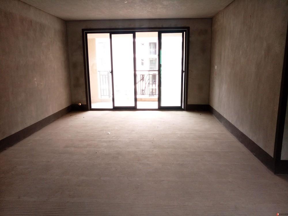 万达广场旁五里店【兴进上郡】电梯景观9楼清水4房125万