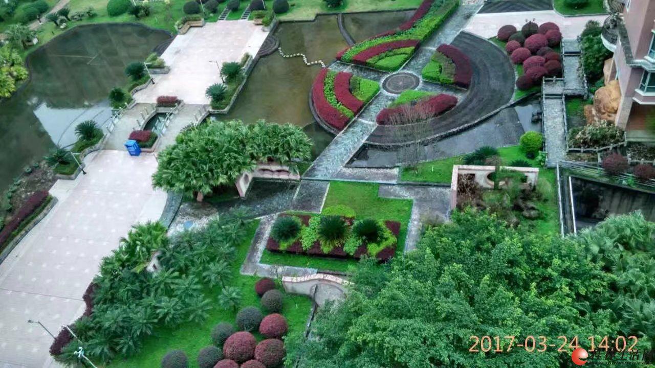 世纪新城1-2楼复式;5房3厅3卫,270平米,送50平米花园,急售135万.家具齐全,精装修