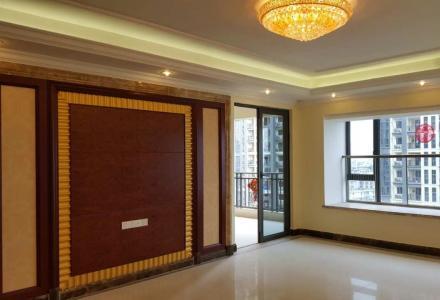 恒大广场4房2厅4卫11楼电梯房出租