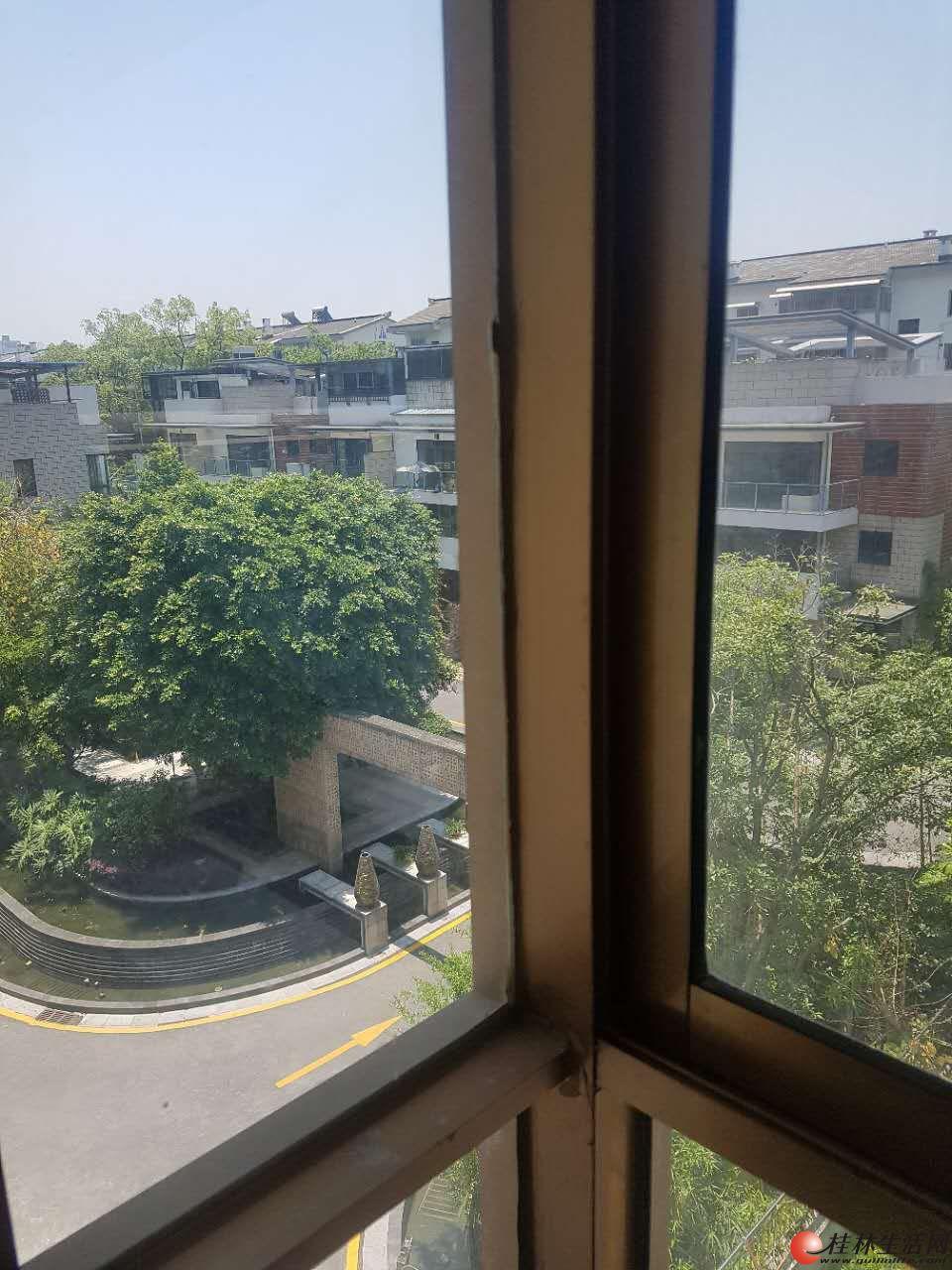 七星区 公园绿涛湾东园复式 四房两厅三卫161平 180万 可使用200多平 三四五层毛坯 稀