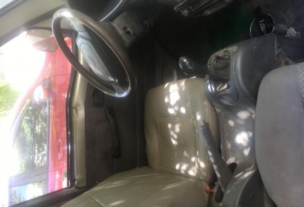 出售一台04年的五菱面包车3500要的速度了可以不过户证件齐全