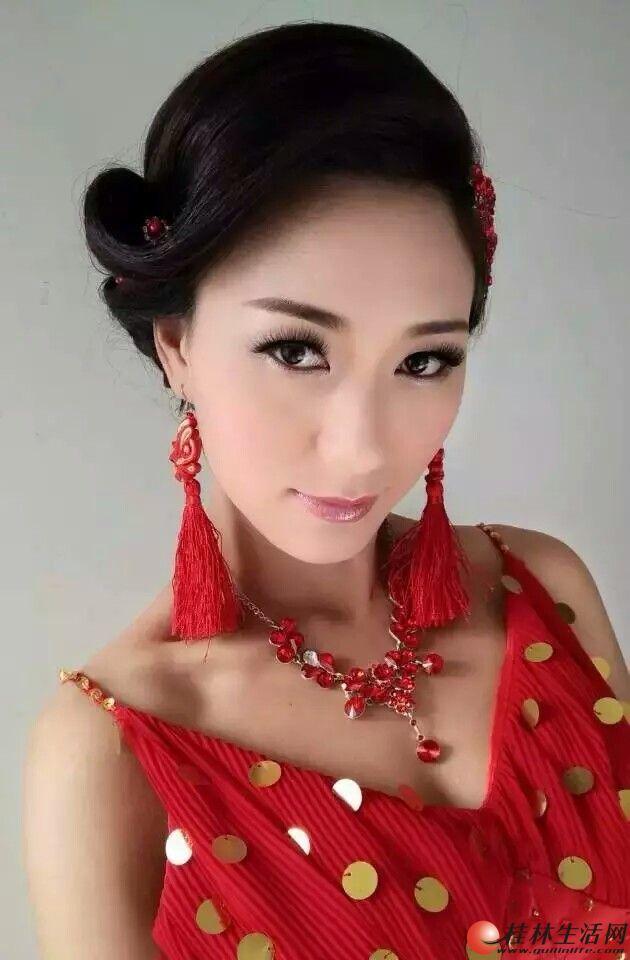高端婚礼婚庆摄影化妆,中式新娘化妆跟妆