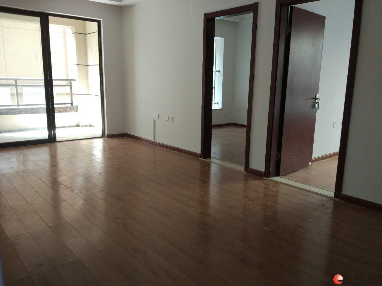万达公广场,两室两厅一卫1600/月,可办公居家