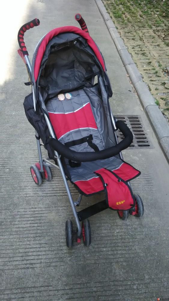 出售闲置的宝宝好牌婴儿便携式科折叠避震四轮推车(40元)