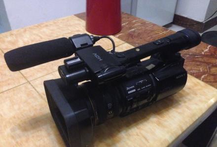 高清摄像机索尼Z5C出售高清摄像机索尼Z5C出售