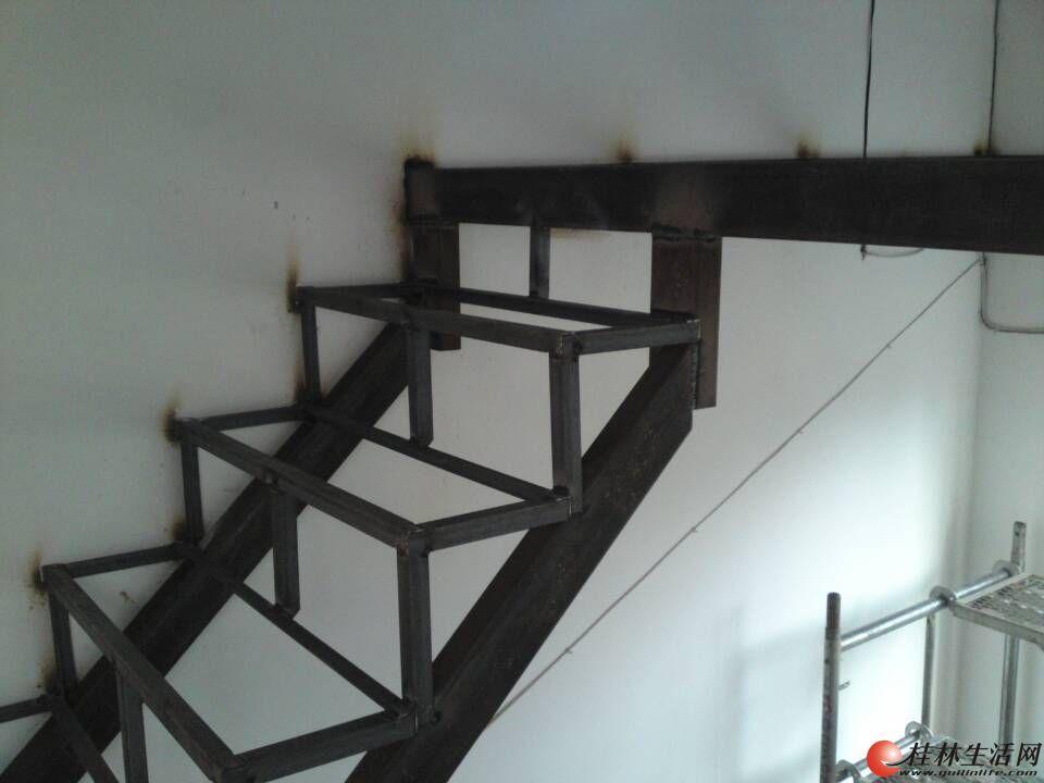 专业搭建钢架阁楼、楼梯、阳光房