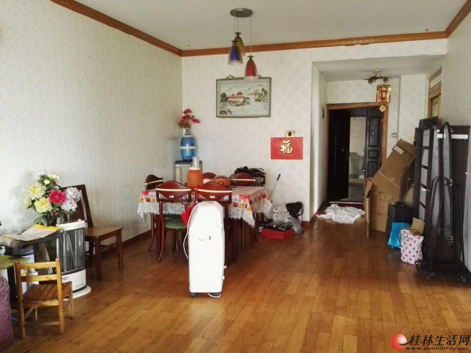 H 上海路枫丹丽苑 电梯房  2房2厅 家具齐全  110平 2600元