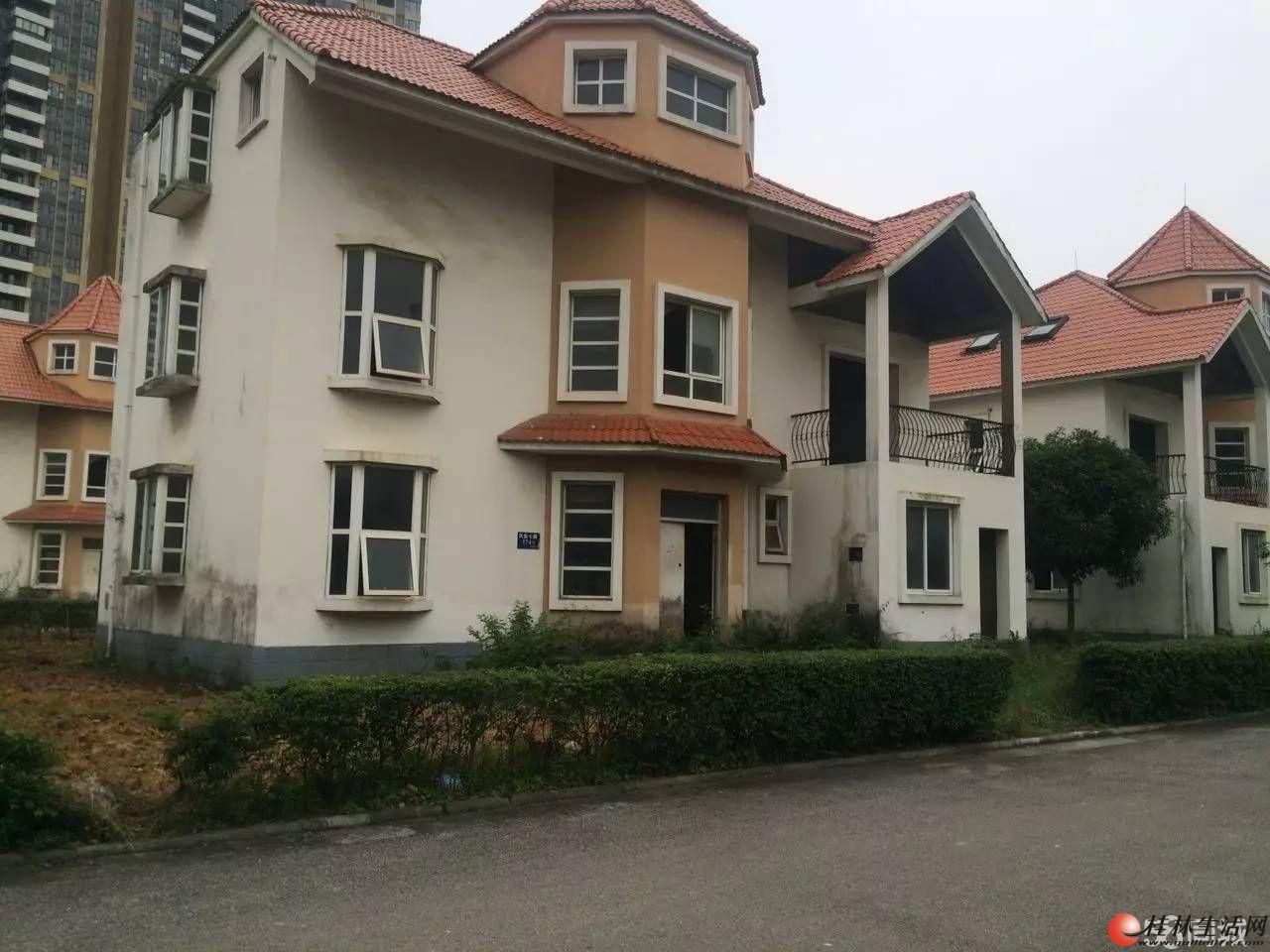 Q山水凤凰城独栋 大别墅 产权358平米占地596平米290万