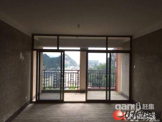 Q送小露台!桂林郡4房2厅2卫,电梯楼层,140平仅85万