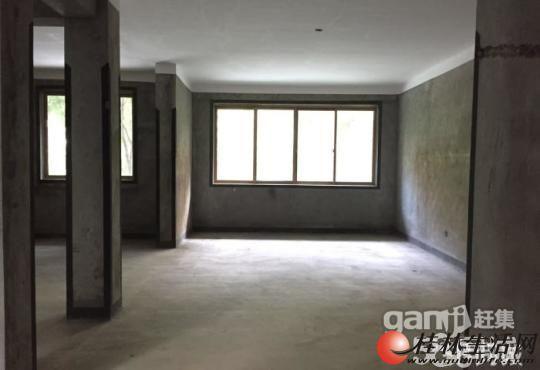 Q叠彩芦笛路湖光山色1楼复式 5房带车位+带地下室+带花园
