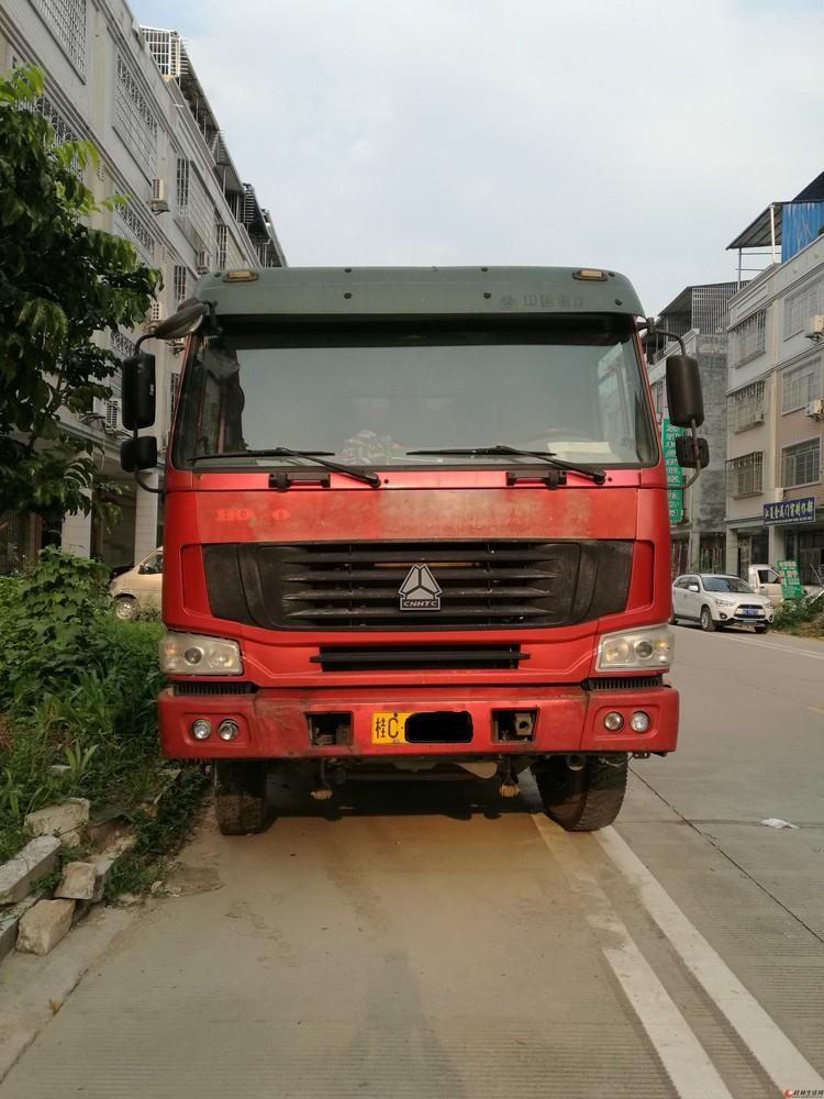 中国重汽 HOWO 重卡 336马力 6X4 5.8米自卸车 转让
