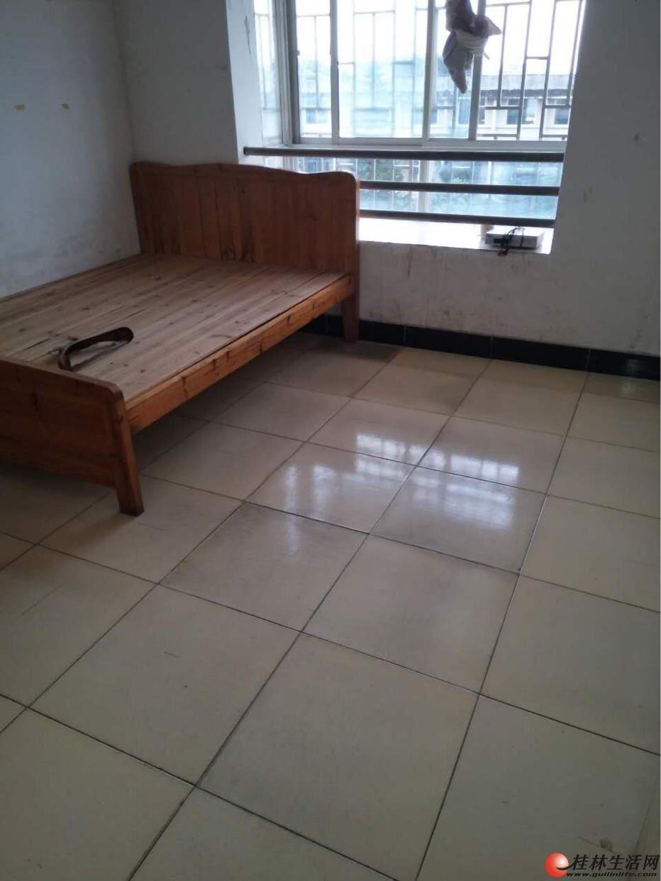 三里店【奇峰小筑】05年建现浇房3房2厅105平米45万出售有钥匙