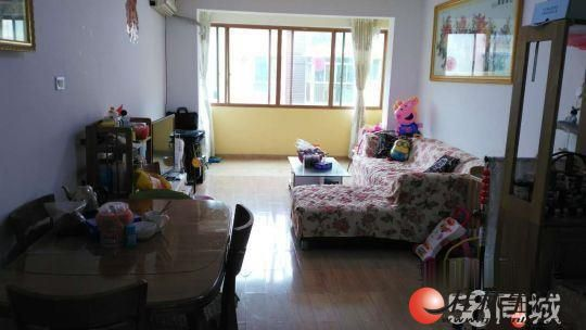 Q叠彩区《湖光山色》3房2厅,带装修+超低单价+急售