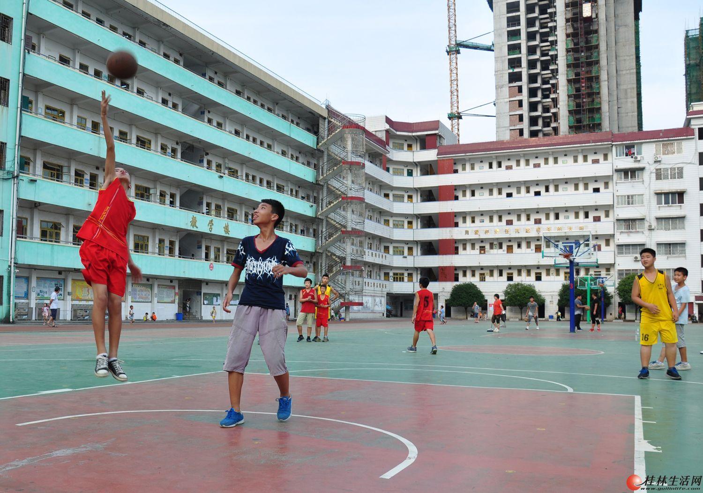 超越自我篮球训练营---暑假班开始了
