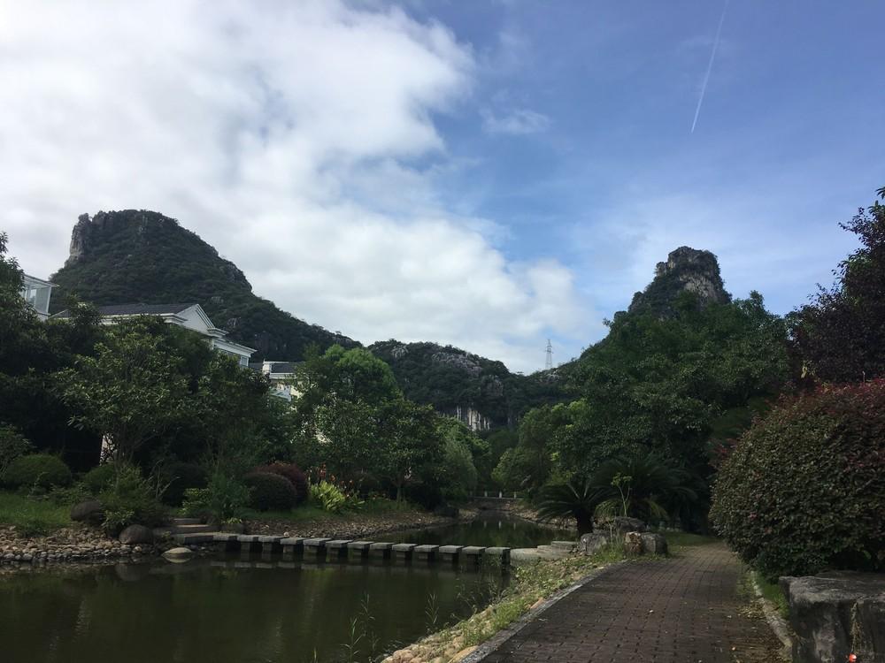清水 麒麟湾别墅独栋 450平9房+车库+地下室  900万