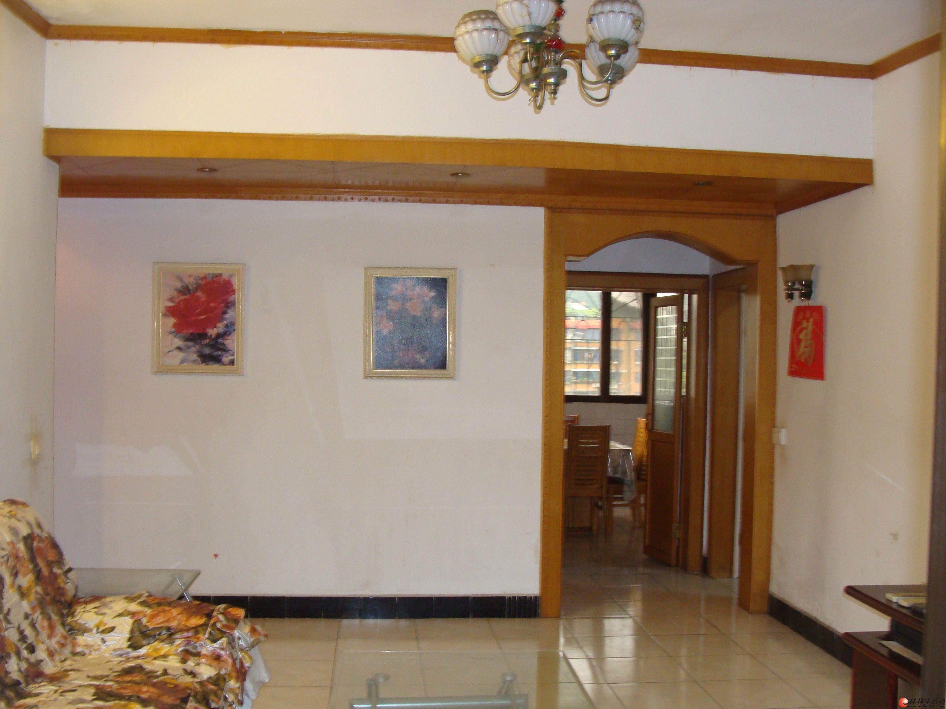 西山南巷篦子园6楼2房1厅75平米精装出租1000元
