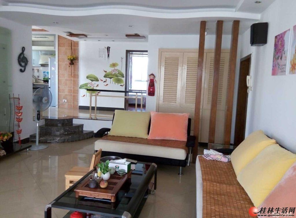 H丽君路 3房2厅 豪华装修 家电家具齐全拎包入住 1300平 3200元/月