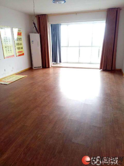三里店 三星大厦办公4房2厅2卫  208平方带空调出租