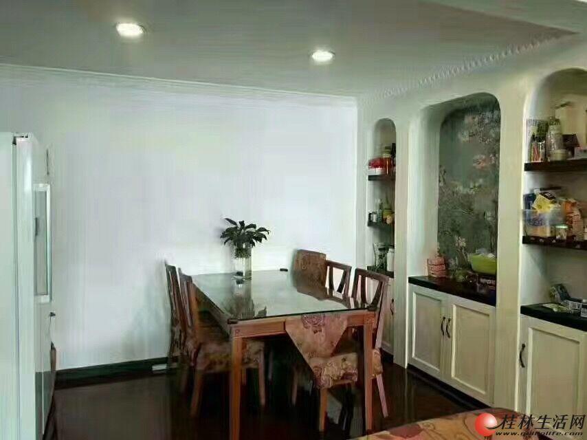 Q龙隐一区3房2厅2卫133平米精装92万,家具家电全送,