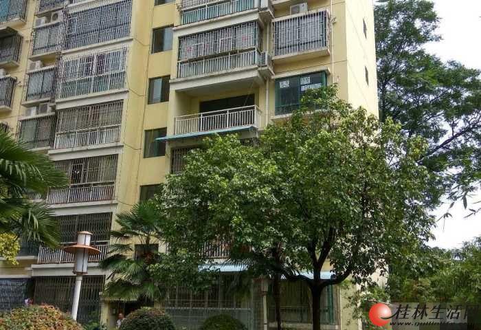 沃尔玛旁楼梯4楼清水广运美居3房2厅63万