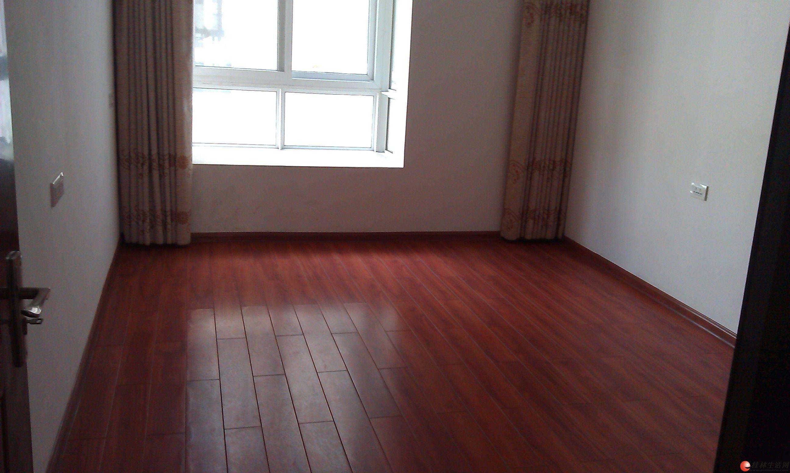出租,解放桥附近,1-2楼2层,6房2厅2卫,160平米,4000元/月,适合办公