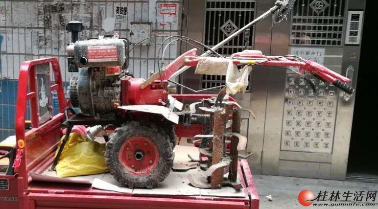 松土好帮手,农用微耕机。