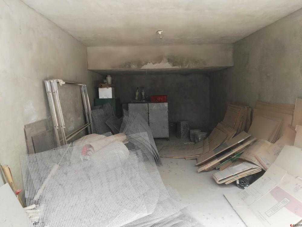 低价出售非中介满五年房桂林市灵川八里街一品嘉苑35栋一单元7-8楼跃层601房及车库出售