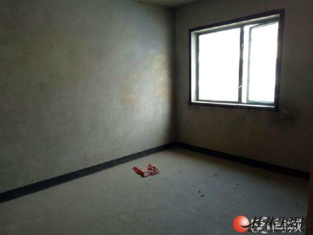 东晖国际;2房2厅1卫,98平米,11楼,清水房,2010年建,视野景观好,急售70万