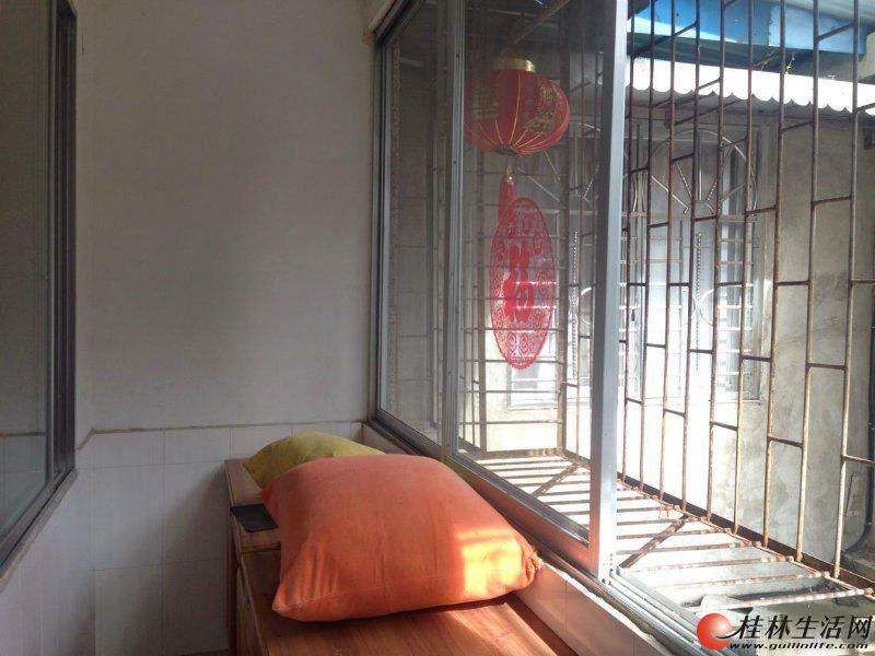 Y三多路 榕湖边旅游局宿舍 3房1厅1卫 简装 75万