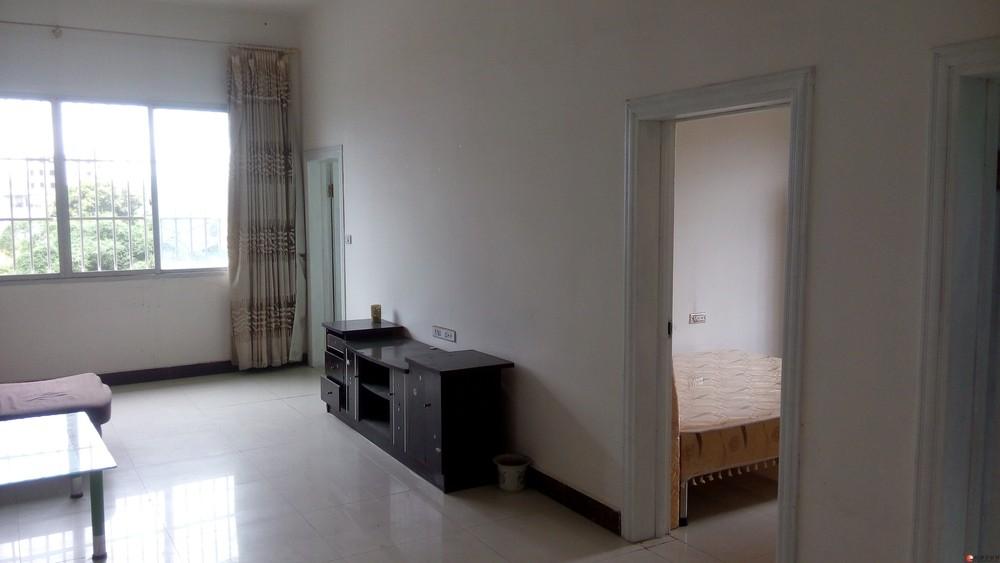 3房2厅2卫、带两空调家俱、方便停车、采光好、自家房、万达附近