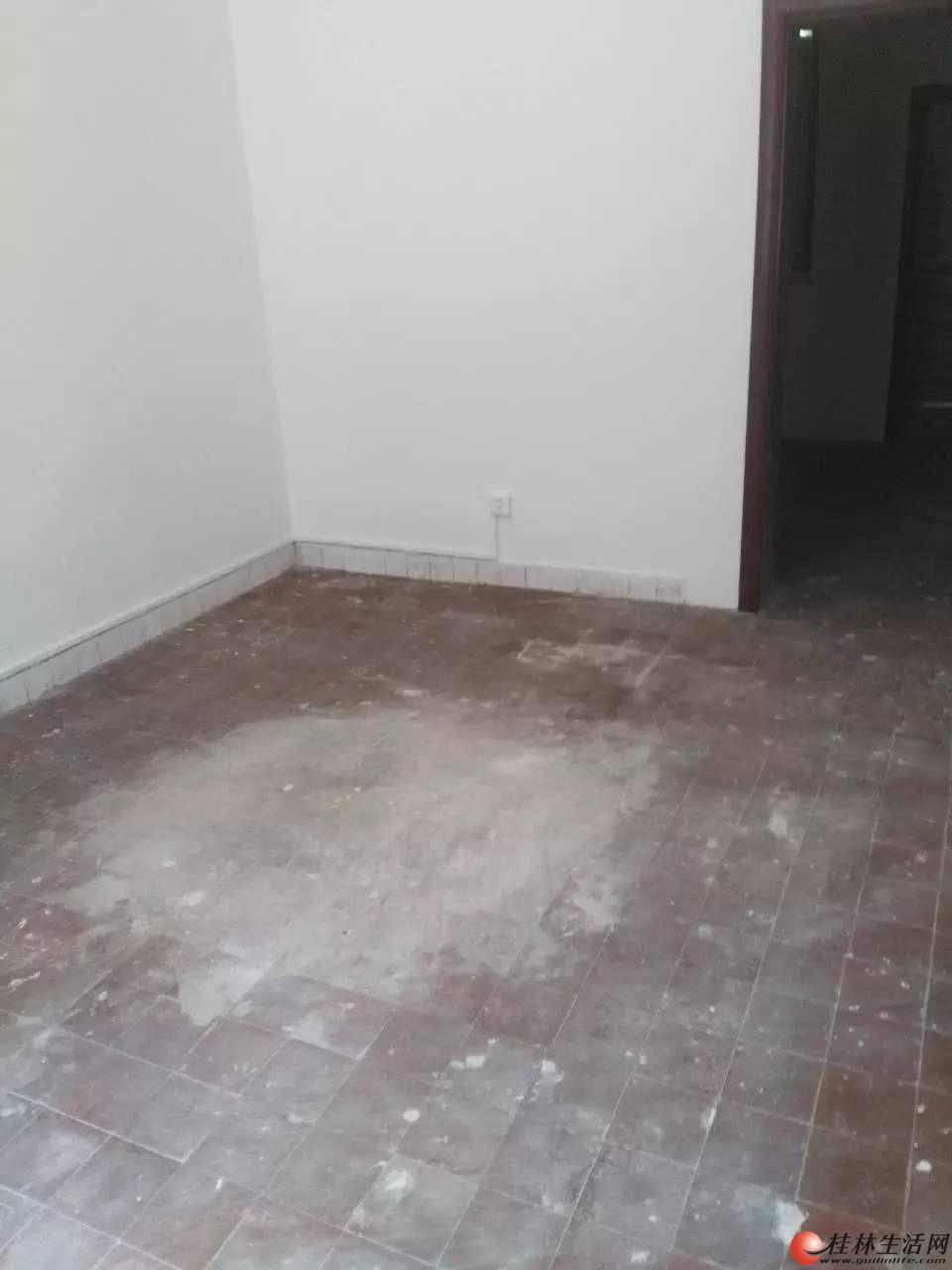 m铁西四里一楼两房一厅61平米出租,可做生意,月租1200元