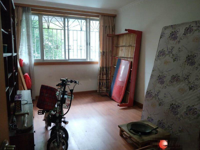 T三里店茶苑小区中装楼梯2楼2房82平米仅售53万