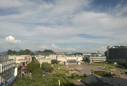 转租市中心八桂大厦-300平写字楼(带装修、空调、办公设备)